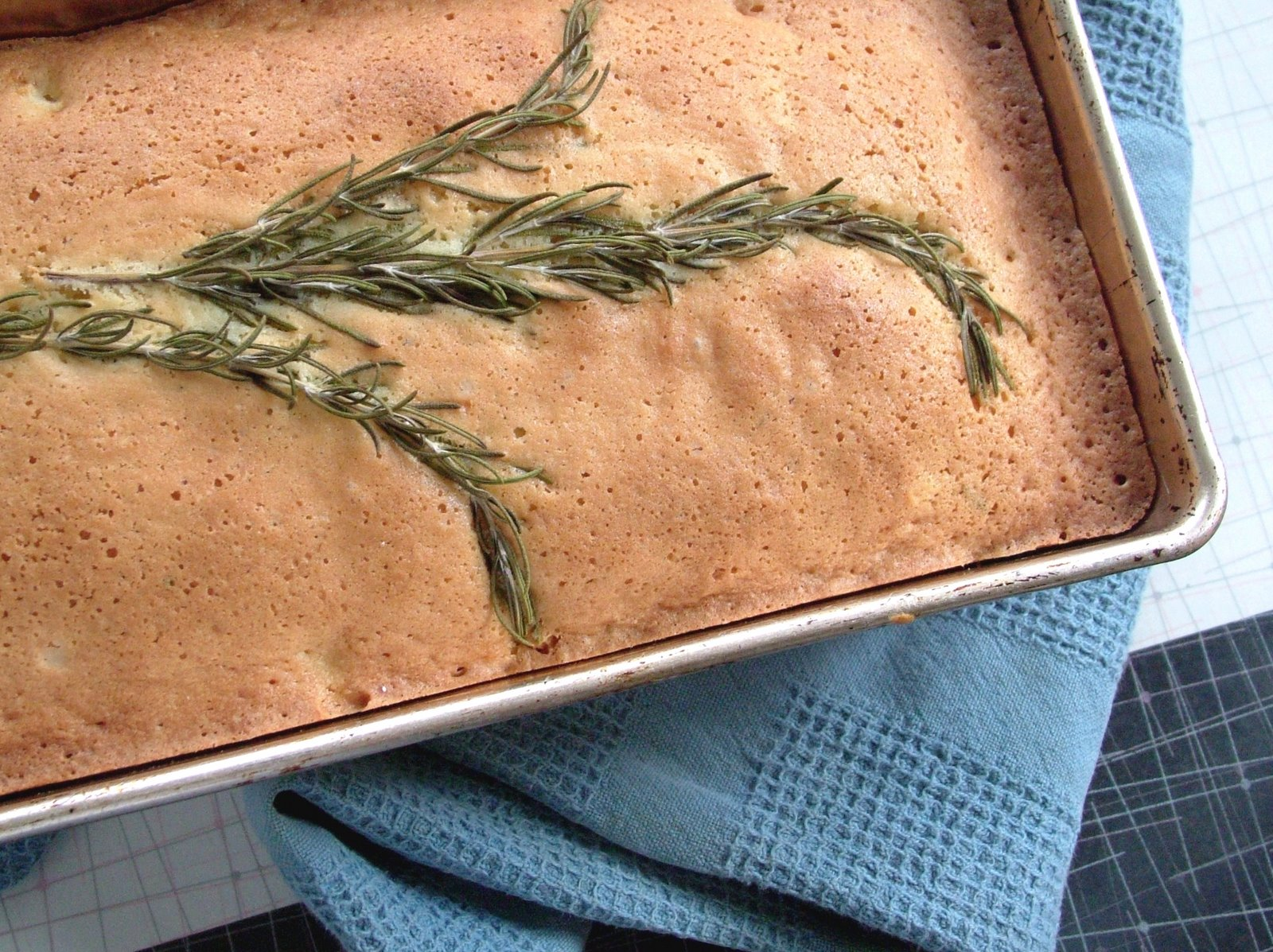 Rosemary+lemon+cake
