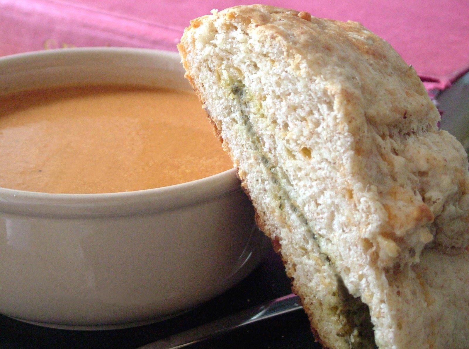 Tomato+soup+&+scone