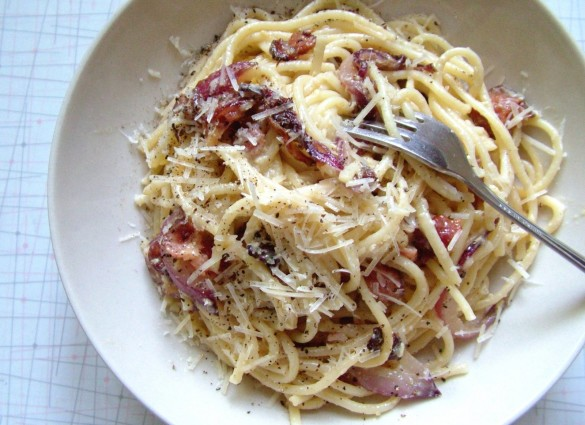 day 168 spaghetti carbonara with caramelized onions. Black Bedroom Furniture Sets. Home Design Ideas