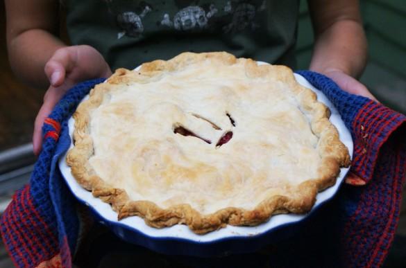 Apple+raspberry+pie-baked