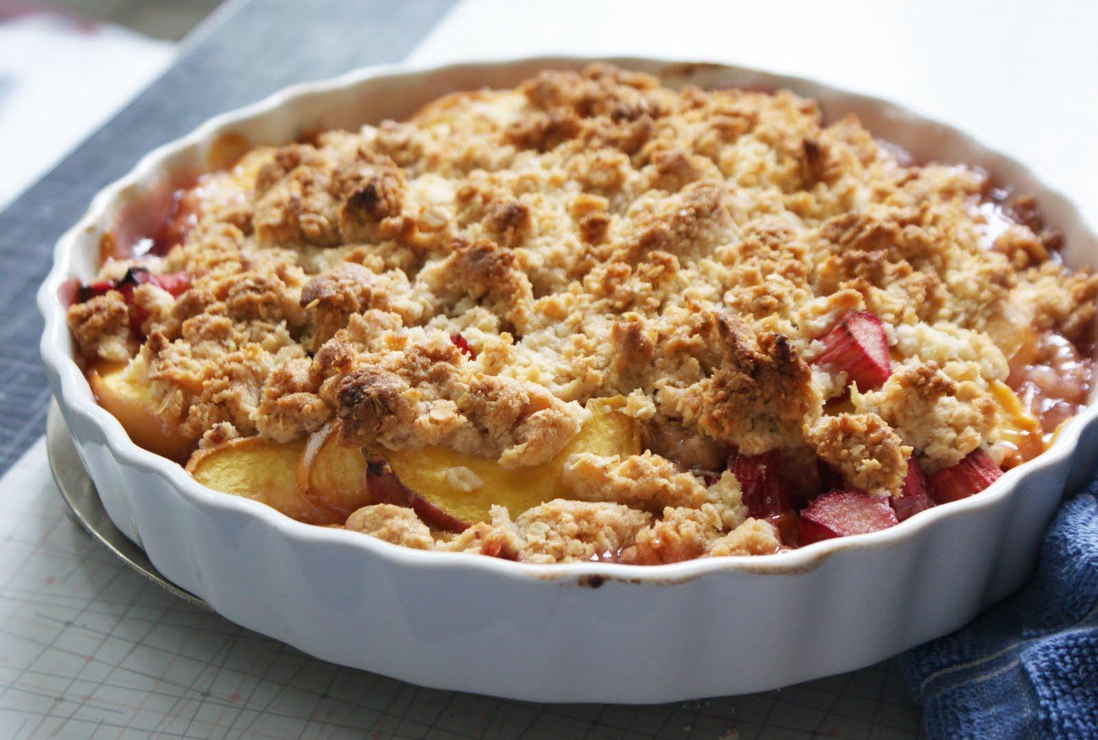 Peach+&+Rhubarb+Big-Crumb+Crumble