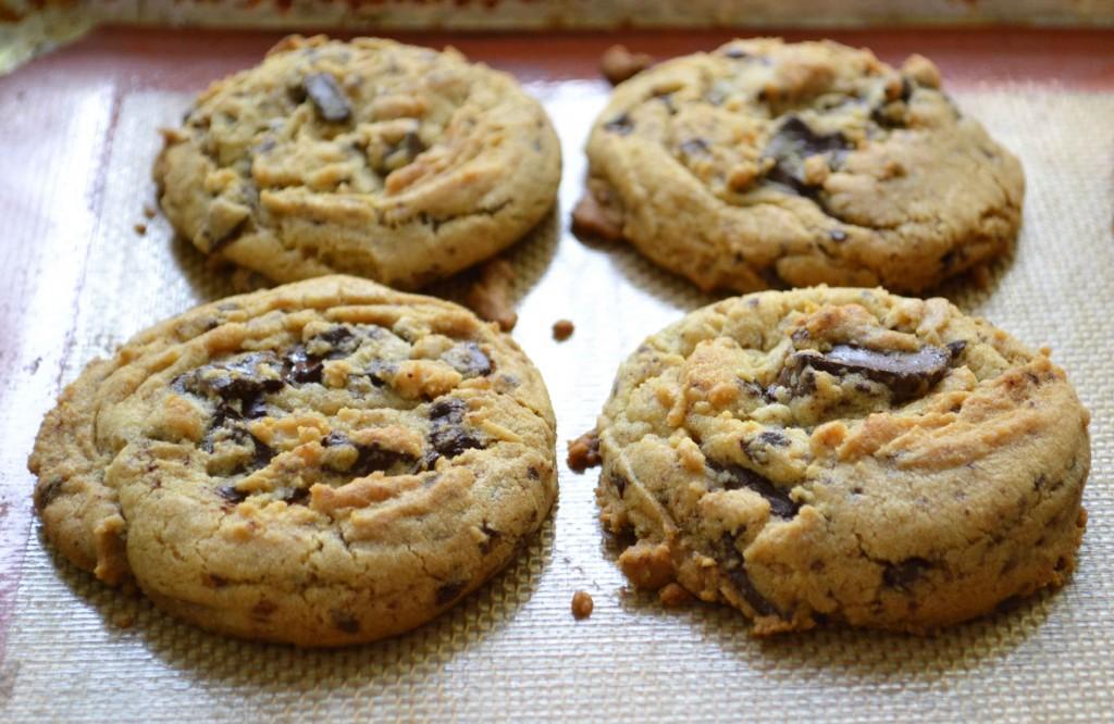 ... chunk cookies 4 1024x666 Half a Pound of Dark Chocolate Chunk Cookies