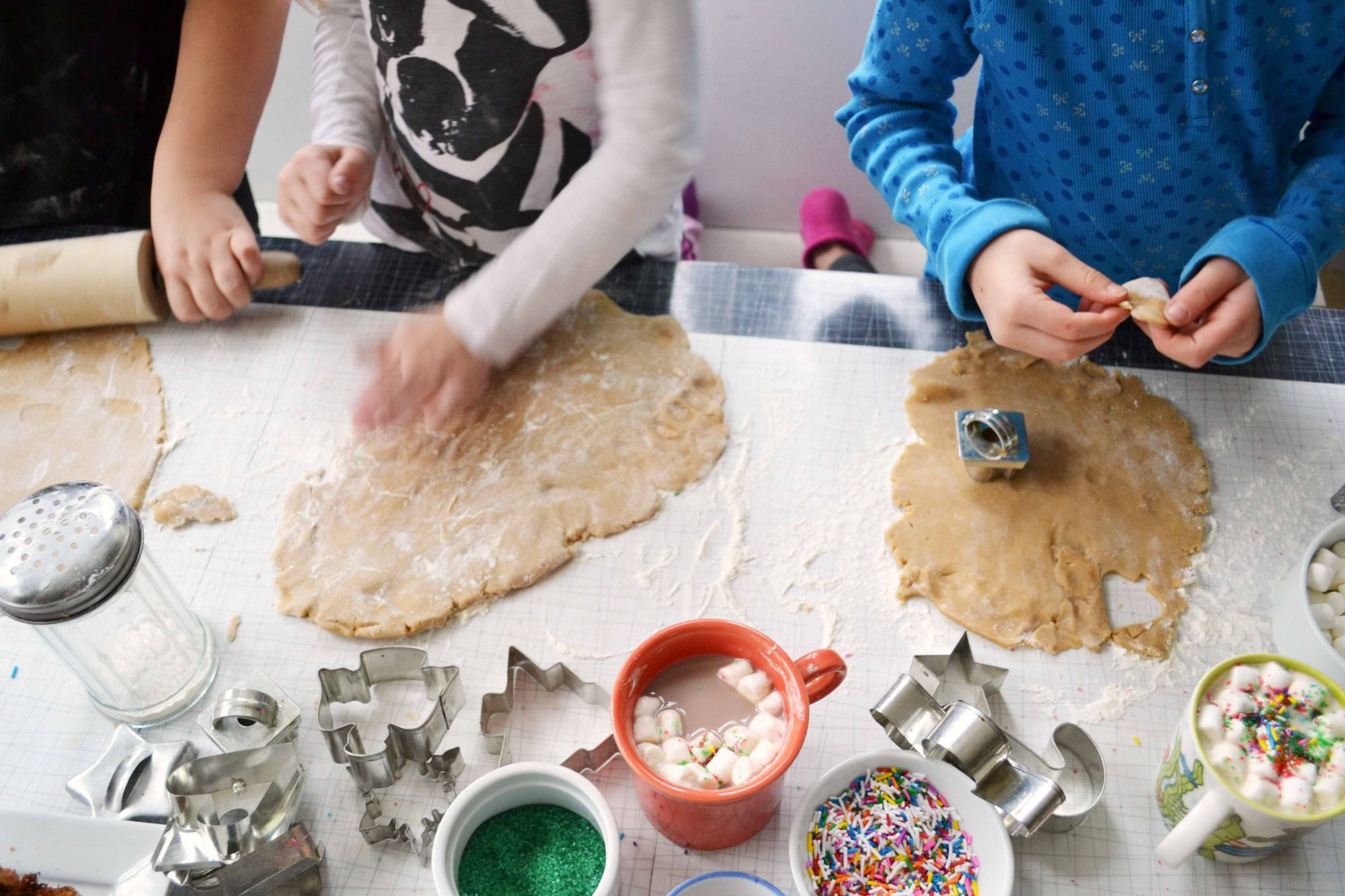 making cookies Basic, but never boring, the tender, buttery sugar cookie has an invitation to almost any celebration this classic rendition can be a blank canvas for festive shapes.