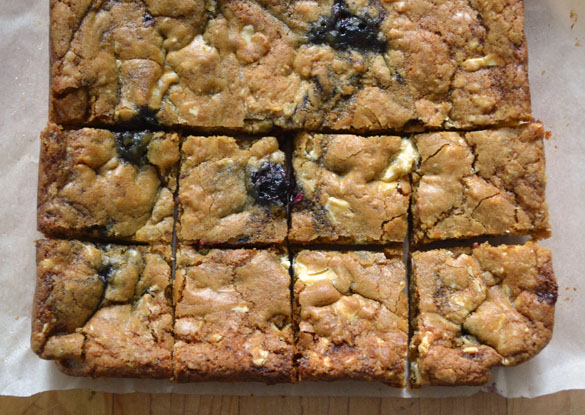 Blackberry white chocolate blondies 3