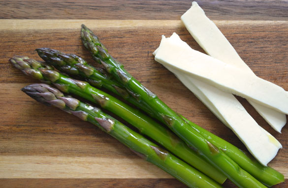 Asparagus w Prosciutto & Cheese 4