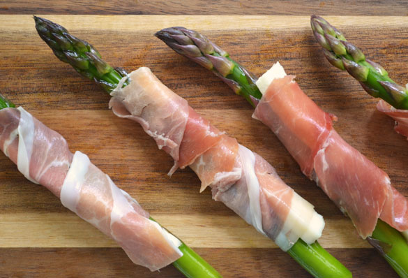 Wrapping asparagus