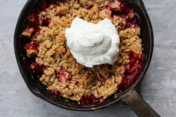 strawberry rhubarb crumble 2