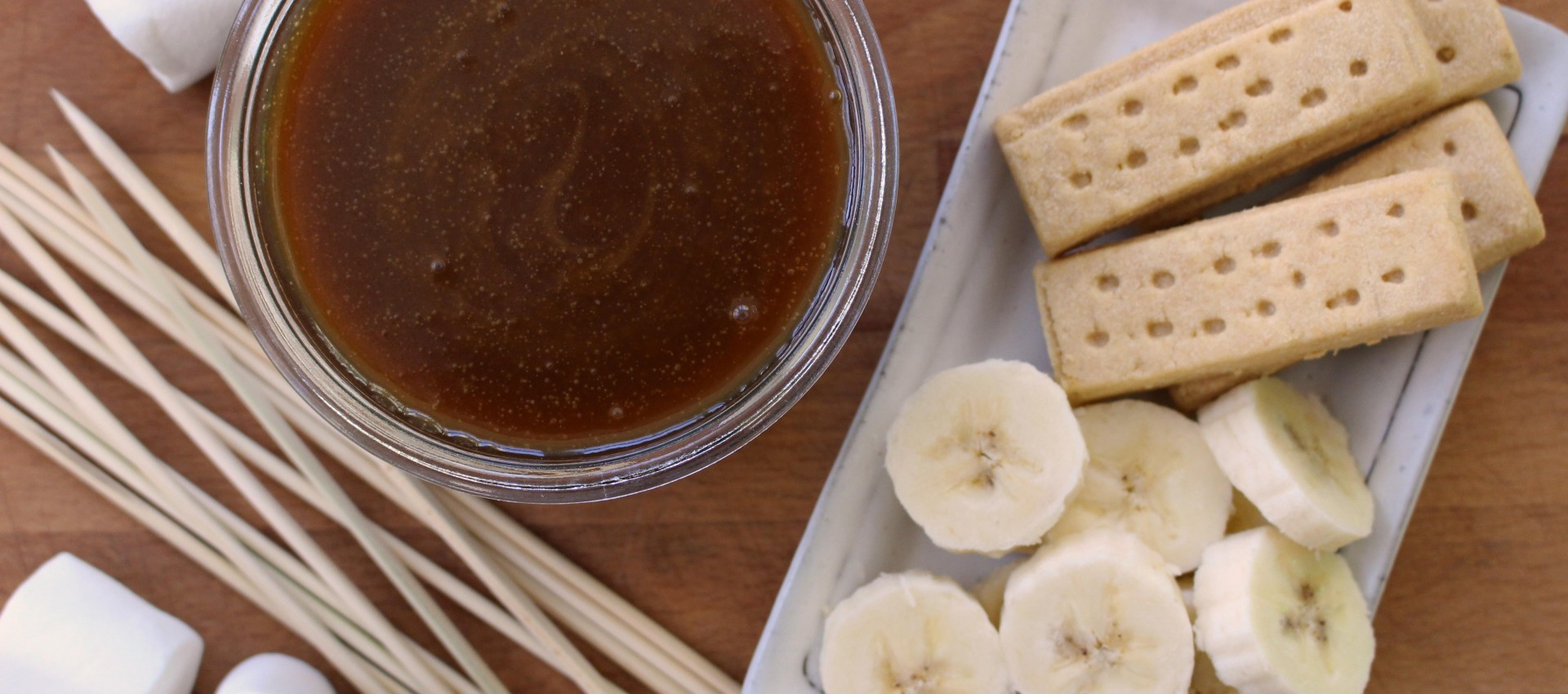 Sticky toffee fondue