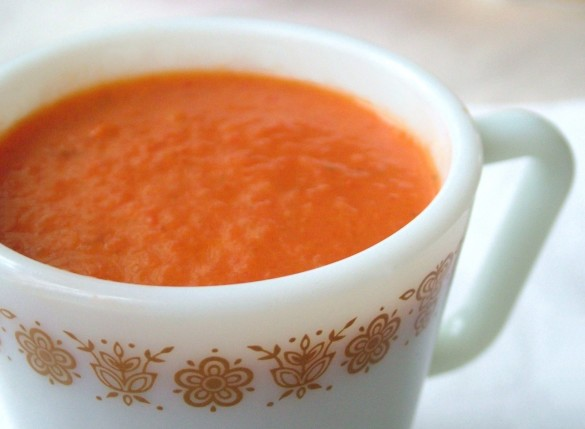 Roasted-Red-Pepper-Soup-585x429
