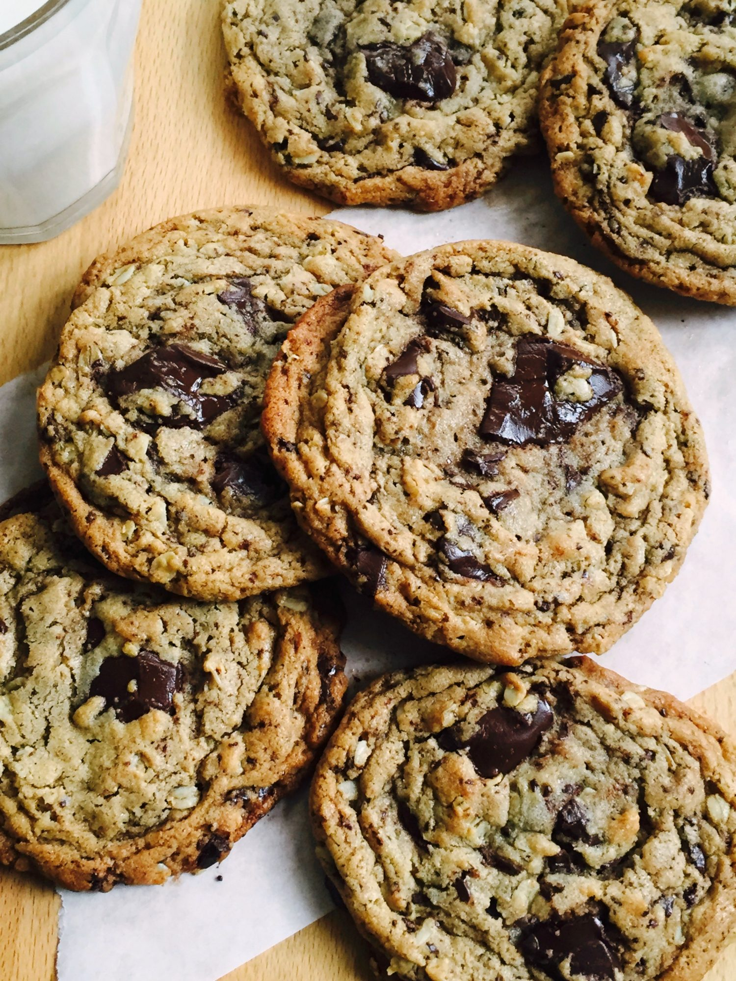 Peanut Butter, Oatmeal & Chocolate Chunk Cookies - Dinner With Julie