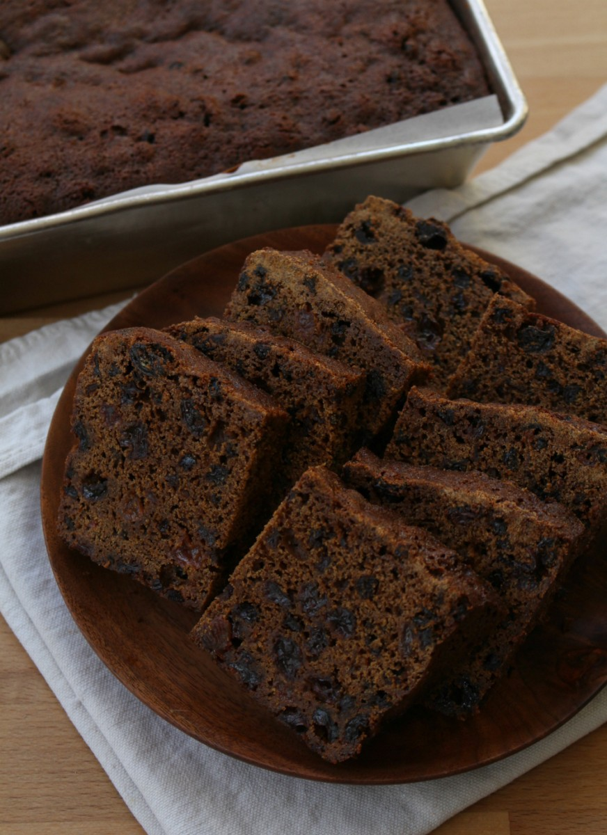gingerbread-fruitcake-2