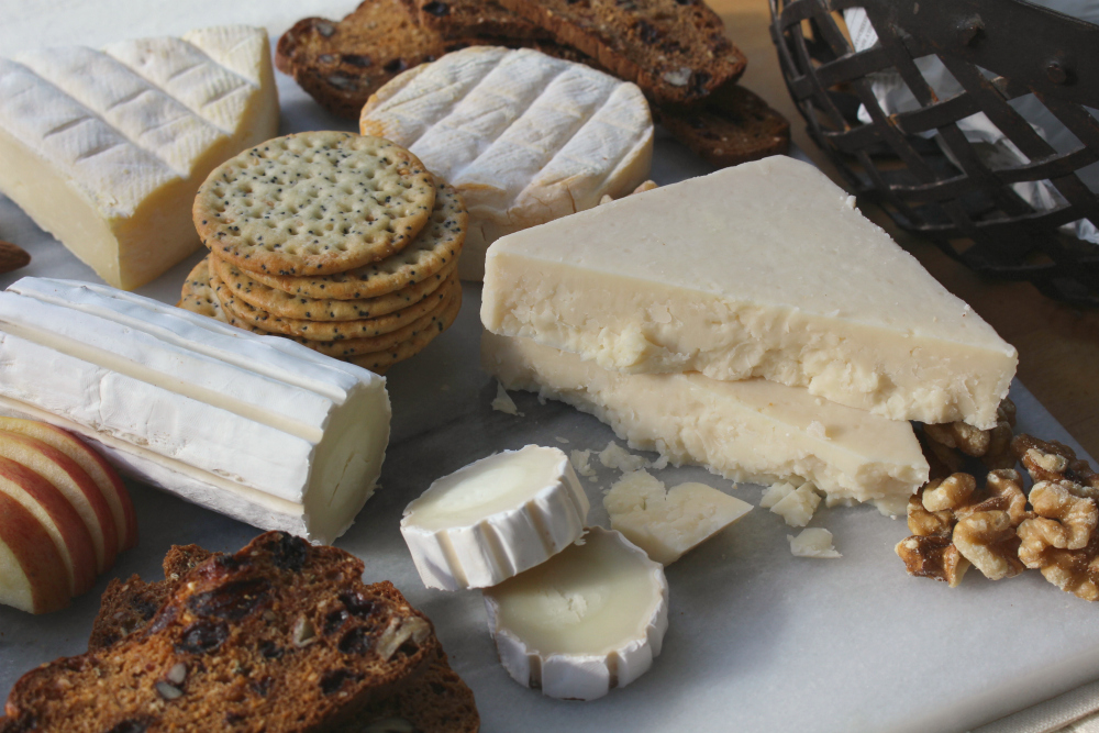 Alexis de Portneuf cheese board 2